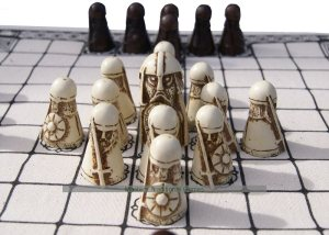 hnefatafl-viking-white-pieces-king